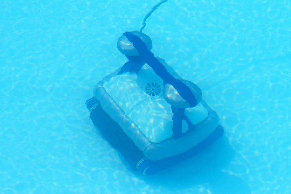 רובוט לבריכה ביתית